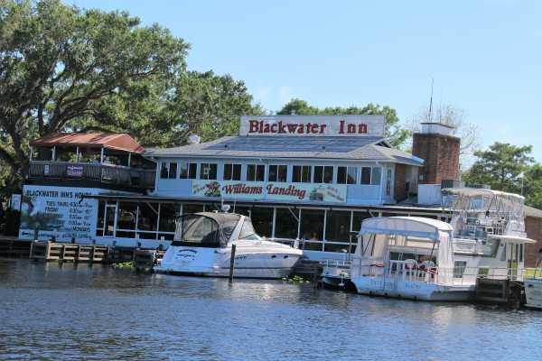 b Water Inn